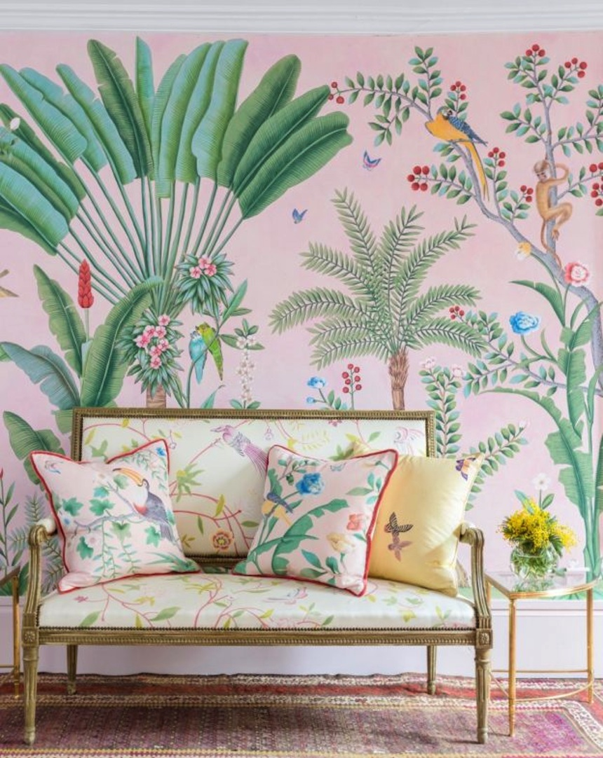 http://theneotrad.com/2017/03/06/aquazzura-de-gournay-collaboration/